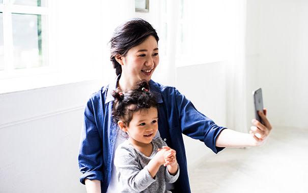 写真に入る:赤ちゃんとの家族写真