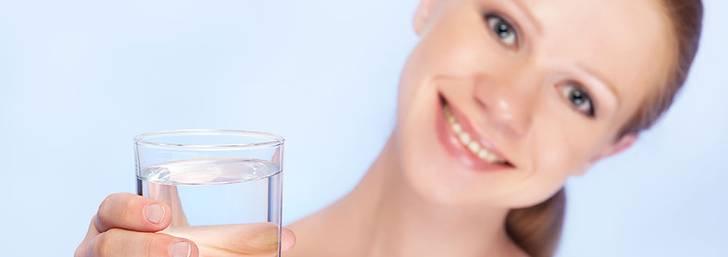 Är det farligt att dricka för mycket vatten?