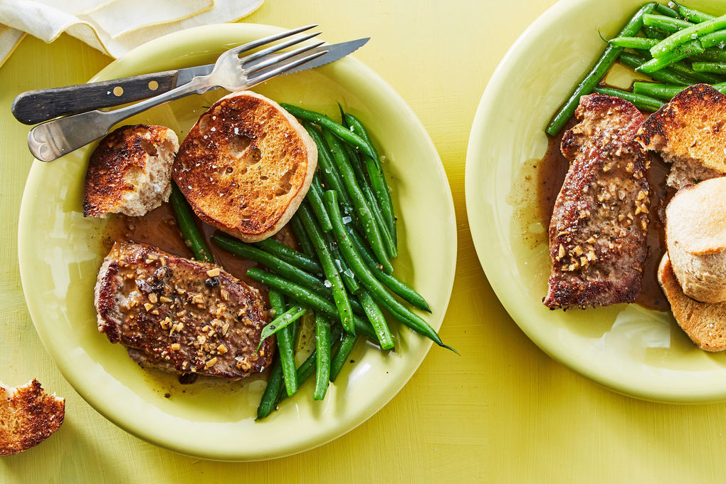 Seared Sirloin Steaks with Green Beans and Garlicky Rolls
