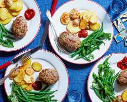 mini meatloaves with crispy potatoes & green beans
