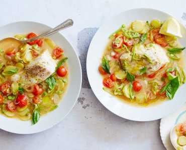 poached cod in broth with tomatoes and snap peas