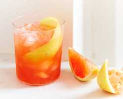 Martha's vermouth-grapefruit sangria