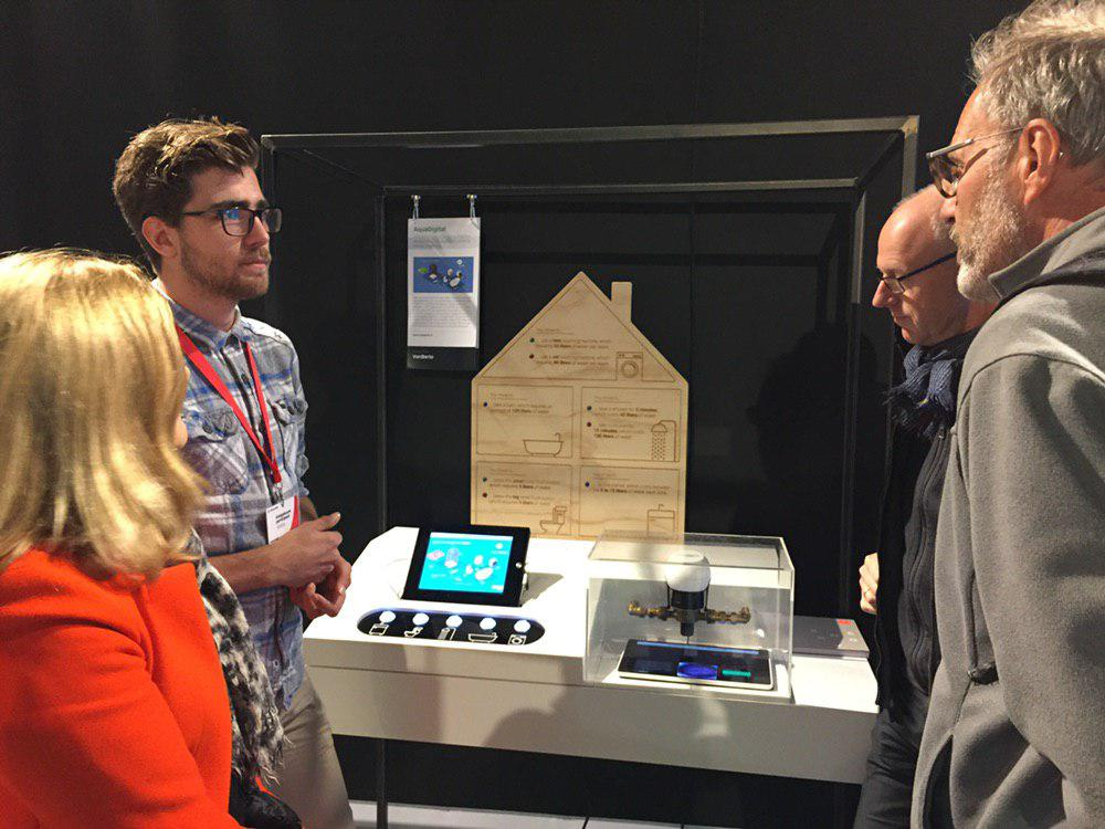 AquaDigital Explaining the Demonstrator