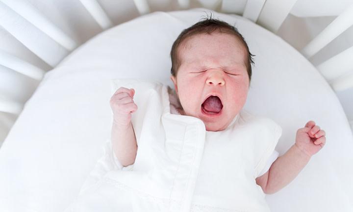 À partir de quand bébé fait-il ses nuits ?