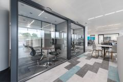 Meggitt - Meeting rooms with blue and grey carpets