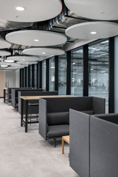 Meggitt - Booth seating with Acoustic ceiling