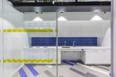 MOJ 10SC Blue Teapoint Splashback With Yellow Glazing Detail