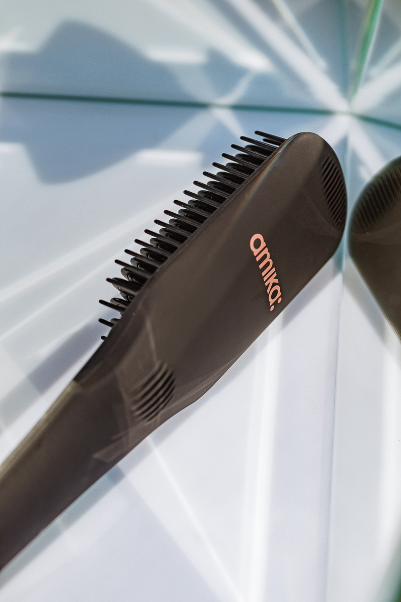 Amika Polished Perfection Straightening Brush