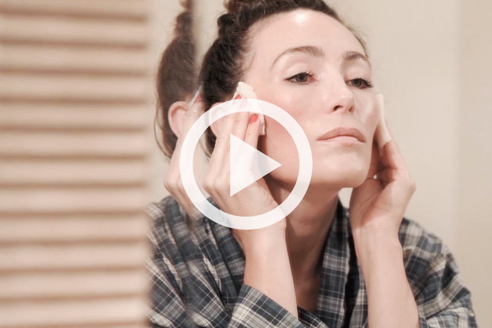 How To Apply Toner For Oily Skin   Into The Gloss