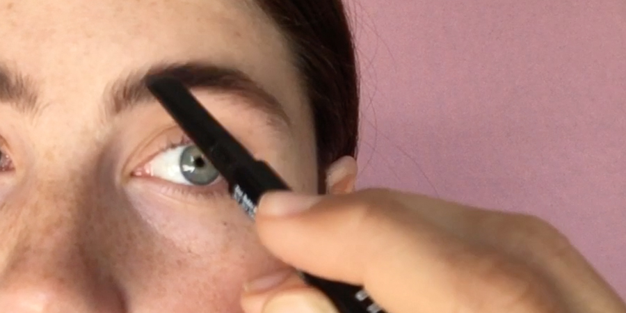 step-2-fill-in-eyebrows-with-brow-pencil