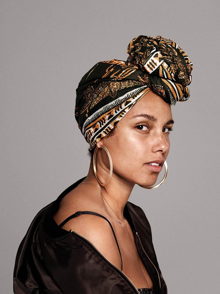 how to achieve alicia keys no makeup look into the gloss