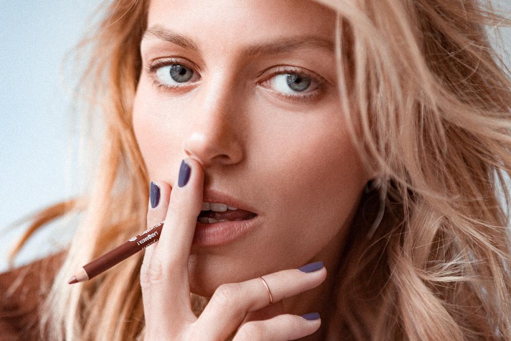 The Best Nude Lip Liner According To Model Anja Rubik