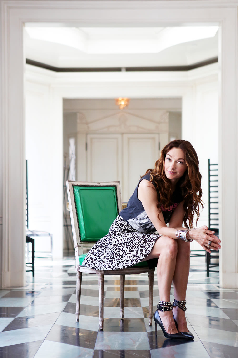 Dramatically Different: Kelly Wearstler, Designer | Into The