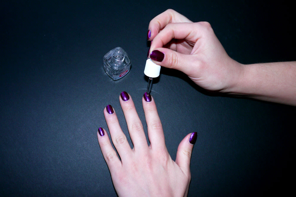 How To Dry Your Manicure In Two Minutes | Into The Gloss