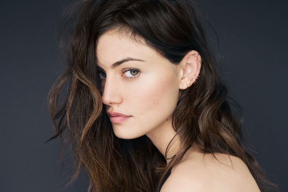Phoebe Tonkin piercings