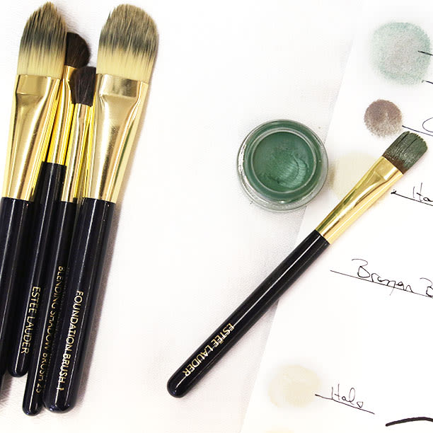 Natural Vs Synthetic Makeup Brushes