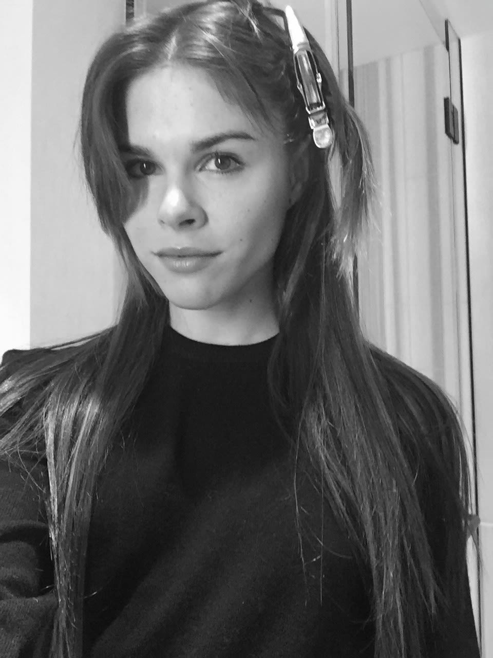 Emily Weiss Gets Hair Extensions Into The Gloss Into The Gloss