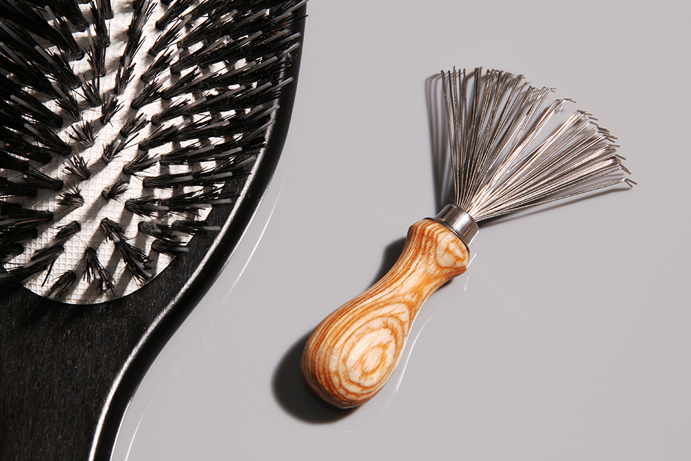 How To Clean Your Hairbrush