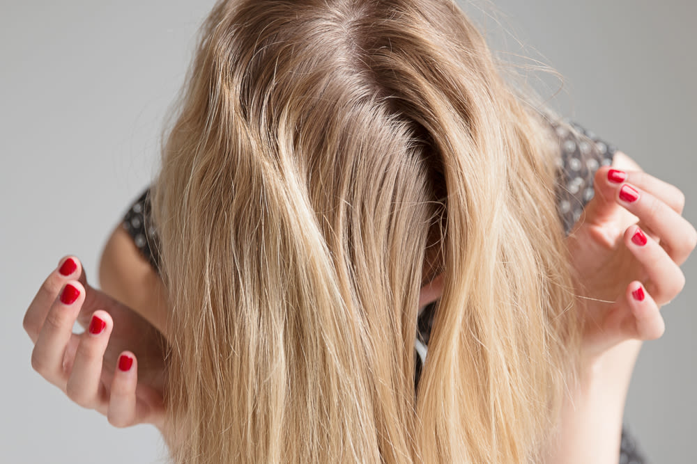 Transitioning From A Side Part To A Center Part Into The Gloss