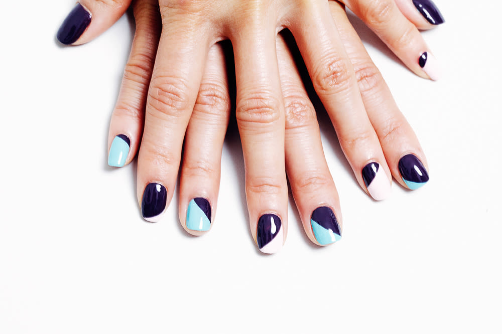 The minimalists guide to spring nail designs into into the gloss sally hansen nail art manicure 7 prinsesfo Choice Image