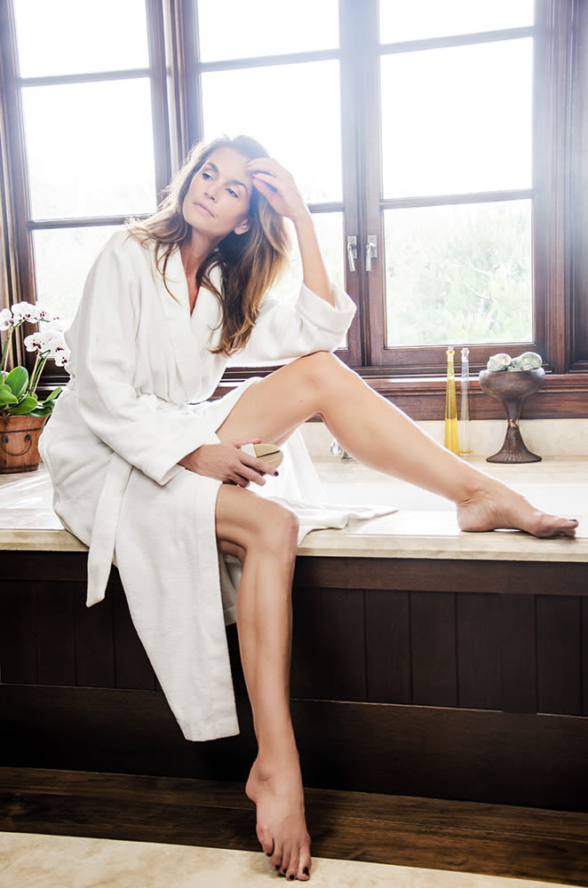 Into The Gloss Cindy Crawford Tells Her Best Beauty Advice