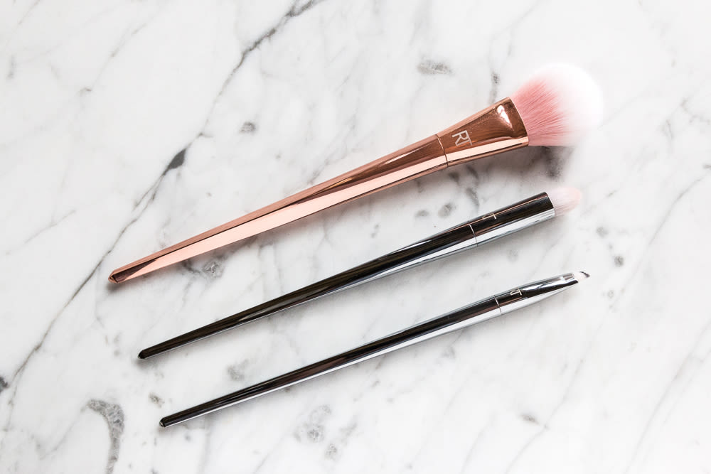 Wowder Brush by Glossier #18
