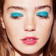 blue-eyeshadow-red-lip-3