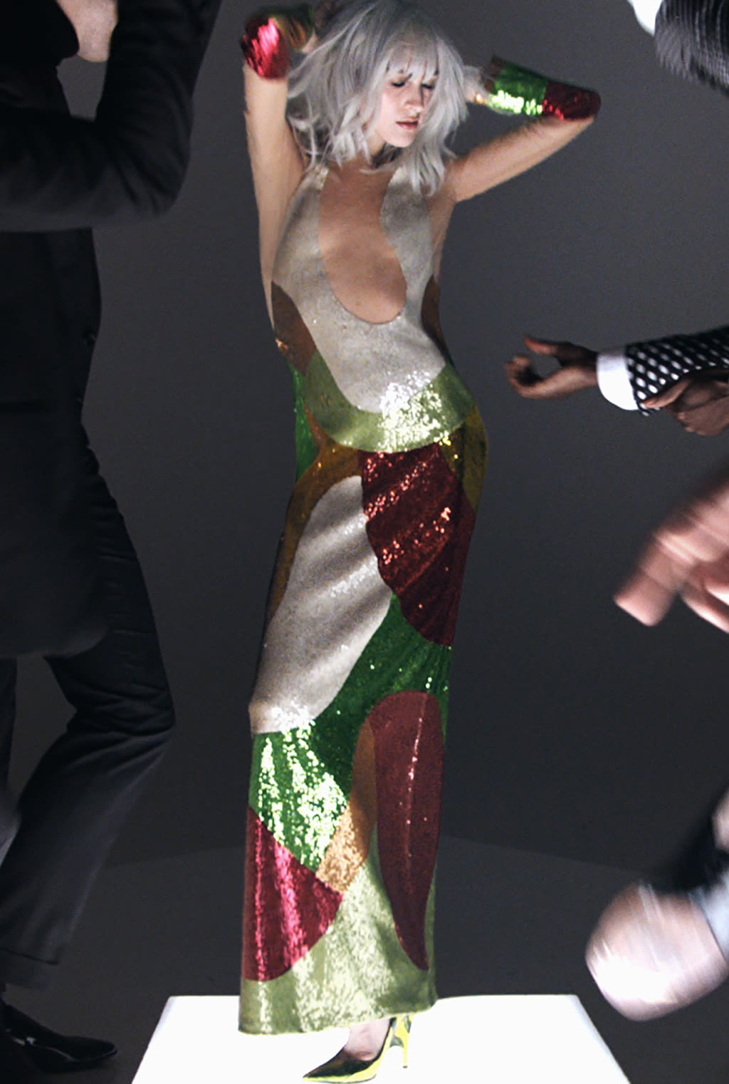 ede5ee12c1ec All The Gifs From The Tom Ford Spring 2016 Music
