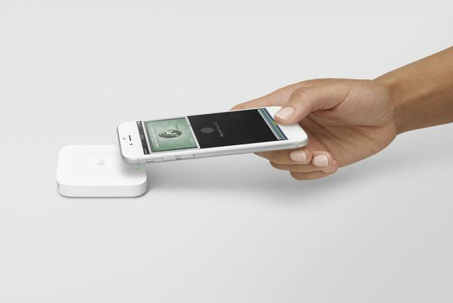 Square contactless reader with iphone