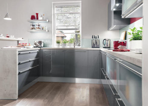 U-Küche vergleichen: U-Küche günstig kaufen mit KitchenAdvisor | {Amerikanische landhausküche grau 19}