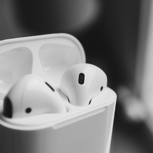 apple airpods in charging box