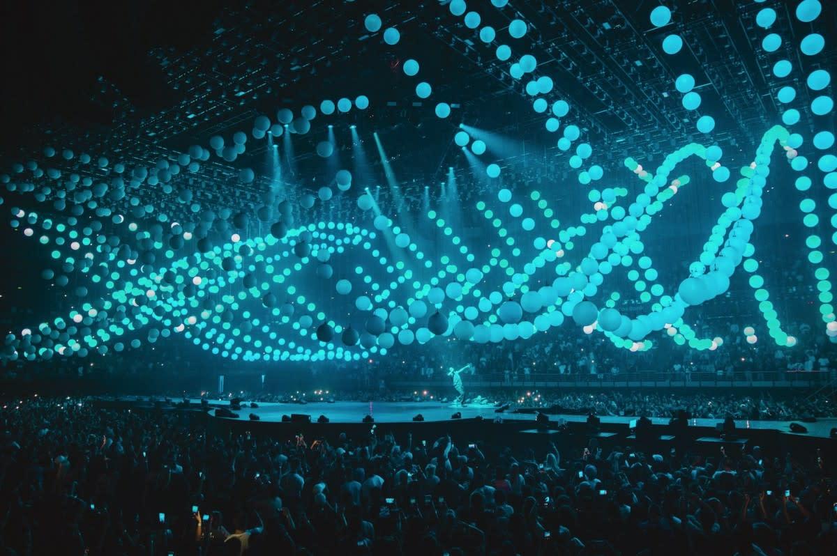 Designing Drake's 'Boy Meets World' Tour-3