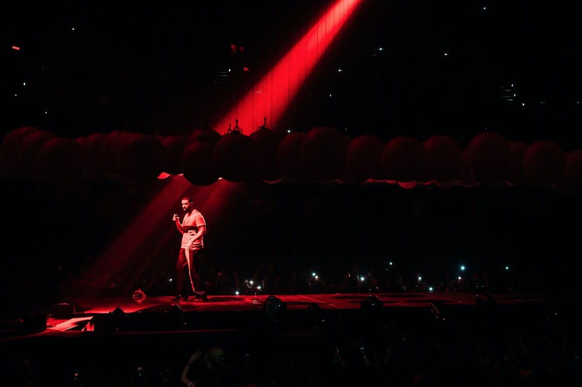 Designing Drake's 'Boy Meets World' Tour-5