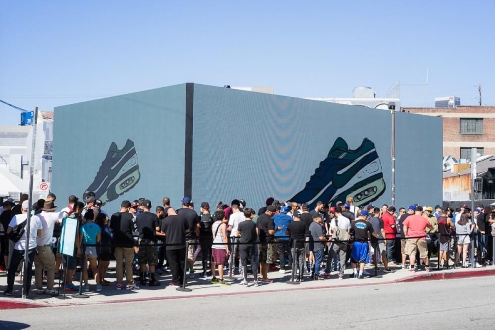 Nike Air Max Day-16