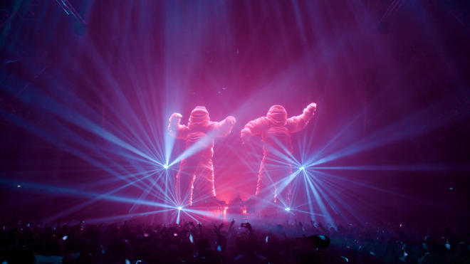 Behind the scenes of a Chemical Brothers live show