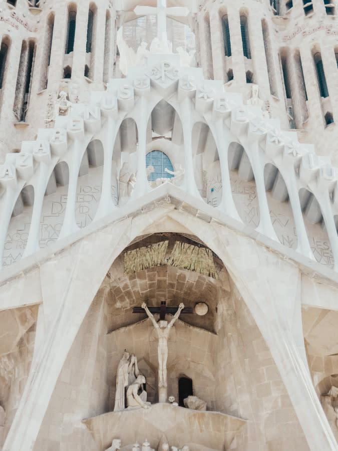 The parametric design of Gaudí's Sagrada Familia (1882)