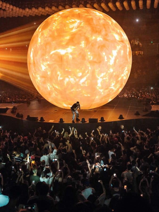 Designing Drake's 'Boy Meets World' Tour-10