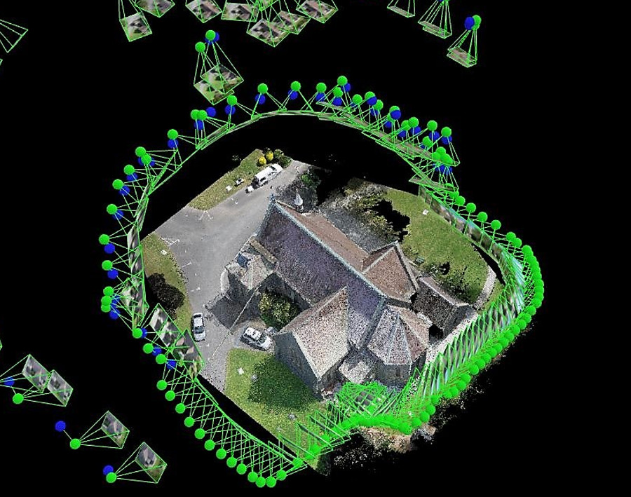A 3D image of a house showing the Pix4Dmapper rayCloud