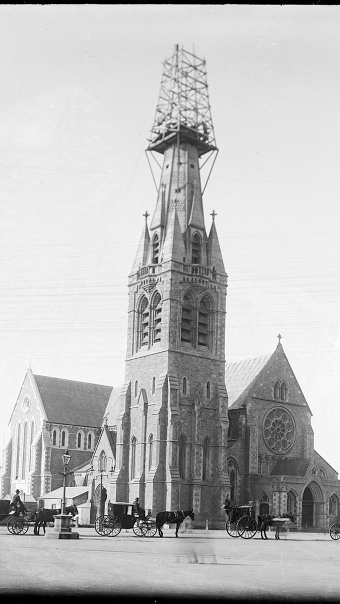 ChristChurch_Cathedral_1901-earthquake-damage