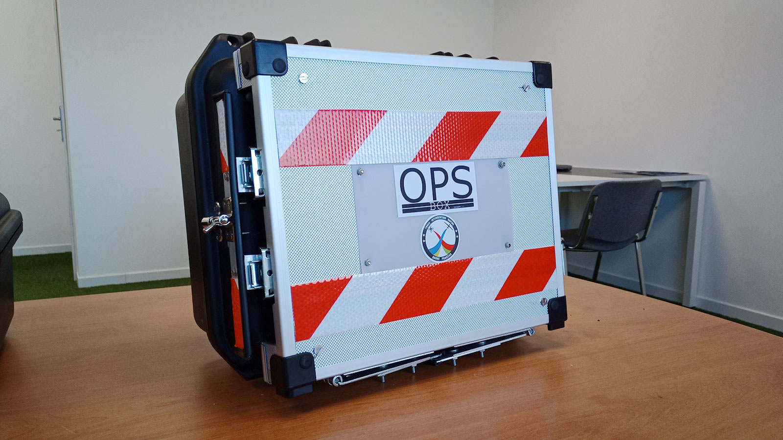 All of the equipment the FIR unit uses fits in this (OPS) box