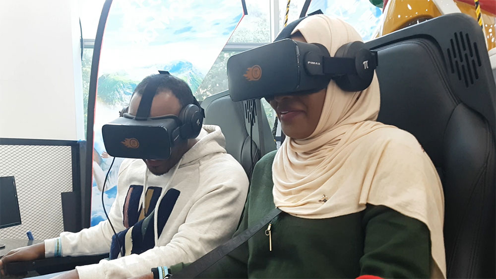 Wearing VR headsets to explore a 3D-model