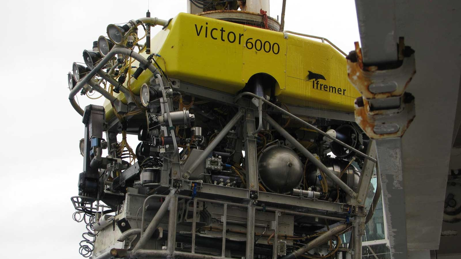 The-Victor-6000-ROV