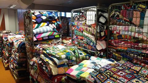 Piles-of-crochet-blankets