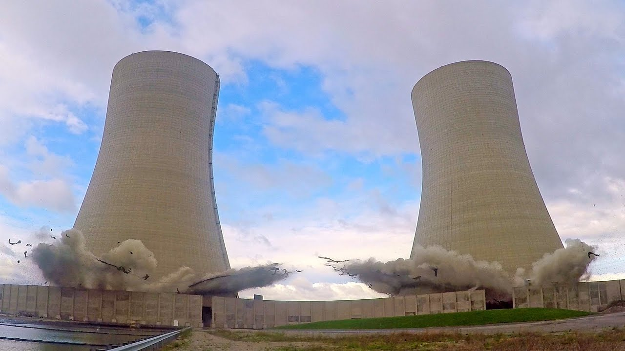 A-controlled-implosion-of-cooling-towers