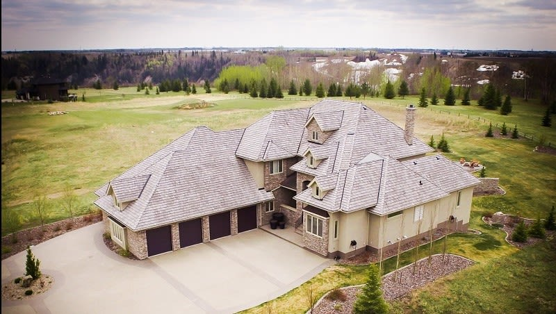 Selling luxury real-estate with drone mapping and 3D modeling