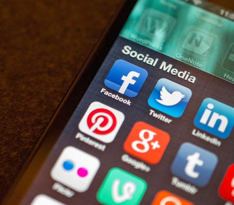 use social media to advertize real estate property
