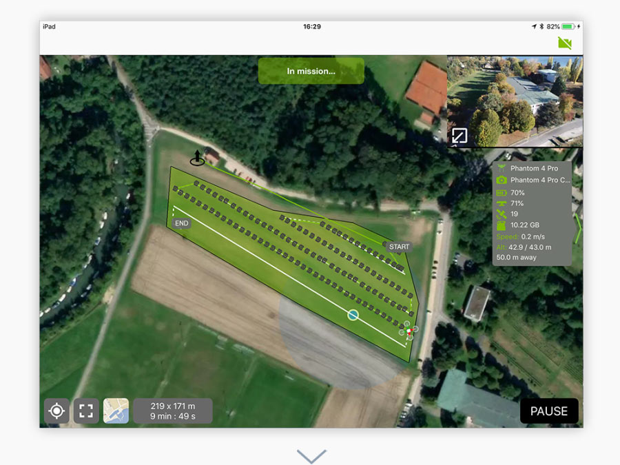 Inicie la misión de drones autónomos y controle la trayectoria de vuelo en vivo con la vista de mapa o de cámara