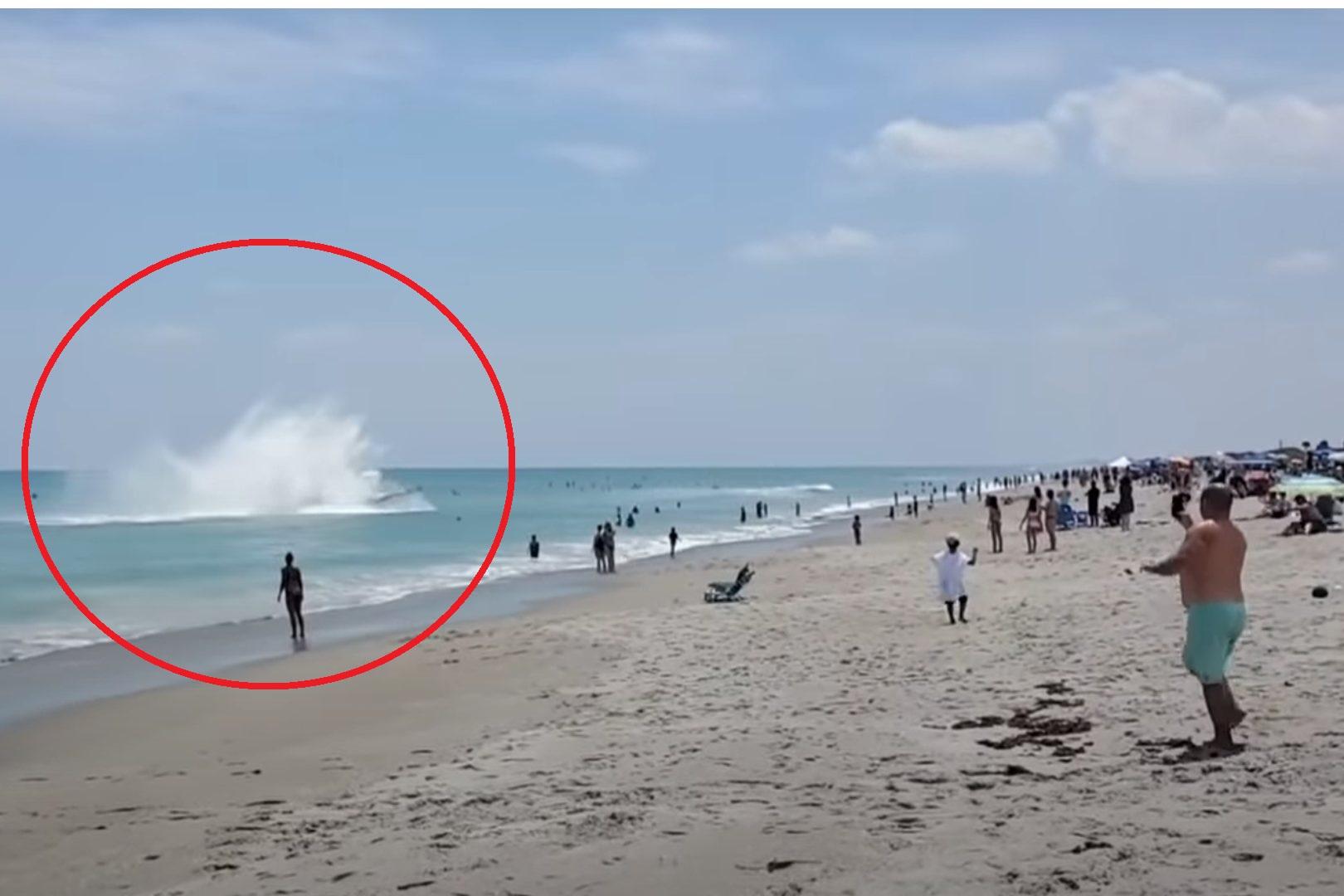 Samolot wylądował w oceanie