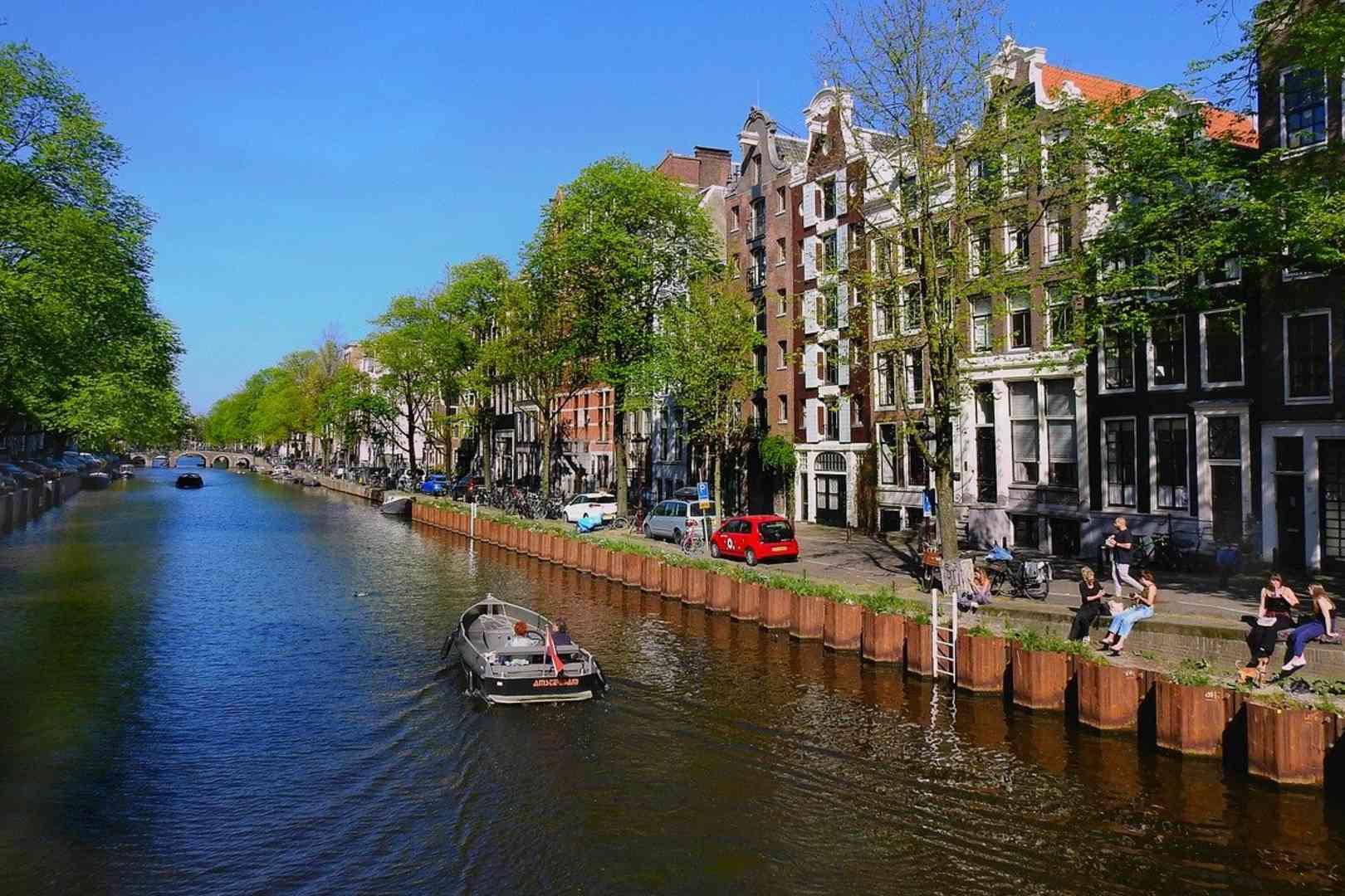 Holandia zaostrzenie restrykcji granicznych