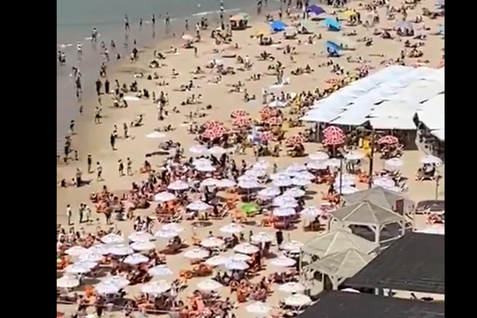 Izrael luzuje restrykcje. Ludzie wyszli na plaże